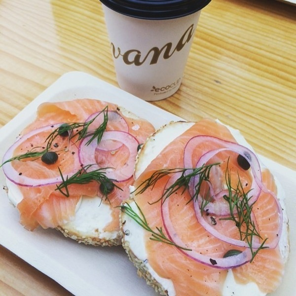COFFEEUFEEL - Starting the day off right👌 #havanacoffee #bestuglybagels #ecocup #coffeelover #becausecrackisbadforyou #breakfastforchampions